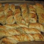 Schnelle softe italienische Käse-Kräuterstangen