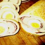 gefülltes Brot mit Schinken und Ei von Napoli