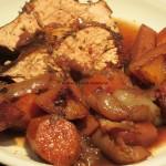 Putenbraten an Gemüse in Rotwein geschmort