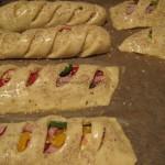 gefüllte Antipasti-Brotstangen