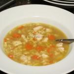 schnelle Hühnersuppe mit Parmesan und selbstgemachten Nudeln