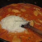 Pollo con salsa di peperoni e parmigiano