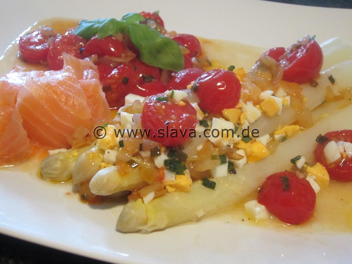Edler Spargel mit Eiermarinade und karamellisierten Cherrytomaten