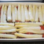 Spargelspitzen mit Kartoffelhälften und Hackfleisch überbacken