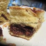 Nutella-Pudding-Schnecke XXL mit Mandeln und Rosinen