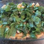 Family-Auflauf mit Spinat und einer feinwürzigen Käsesoße