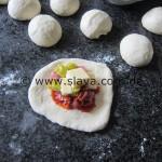 Gefüllte Pizza-Brötchen