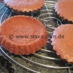 Schokoladige Johannisbeer-Baiser-Törtchen
