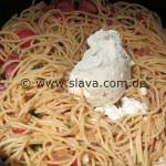 Spaghetti-Pfanne mit Mettenden und Cabanossi