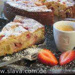 Feiner saftiger Erdbeer – Rhabarber – Joghurtkuchen