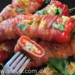 Gefüllte Spitzpaprika mit Bacon und einer cremigen Schafskäse-Füllung
