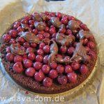 Saftige Schoko - Torte mit Kirschfüllung und einer Ganache-Spirale