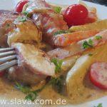 Kartoffel-Kohlrabi-Pfanne  trifft  fein würziges und saftiges Hähnchenbrustfilet in Bacon