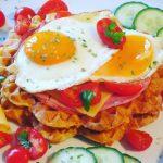 Herzhafte Frühstückswaffeln